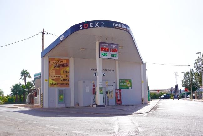 Estación de servicio que no dispone de personal, en la provincia de Castellón.